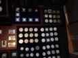 Ponad 320 sztuk, monet, medali, numizmatów.